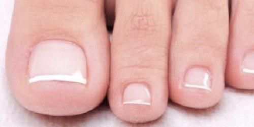 Fotenie footjob-u a footfetish-u: jednoduchý diskrétny zárobok pre dievčatá